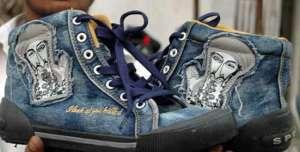 """""""本拉登""""鞋大受热捧,每双售价10英镑热门新闻"""